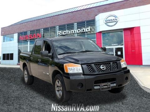 Pre-Owned 2010 Nissan Titan SE RWD 4D Crew Cab
